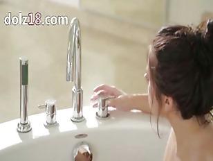 Picture True Woman In The Bath Tube