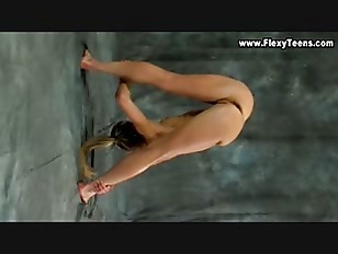 FlexyTeens - Naked Gymnast
