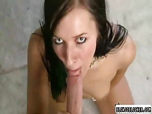Picture Girl Giving Head Until Cock Explodes