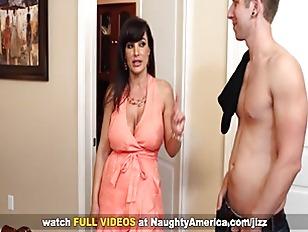 Busty Lisa Ann fucking on Naug