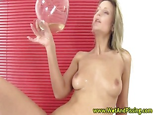 Picture Piss Fetish Babe Drinking Piss And Cant Get...