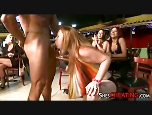 Picture Dancing-Bear With HugeCock Takes Blowjob
