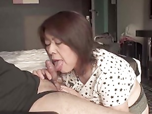 Japanese chubby granny (uncensored
