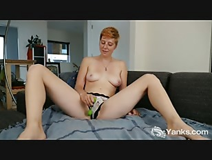 Picture Redhead Aurora Toying Her Snatch