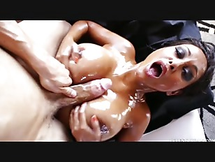 Priya Rai hot oil