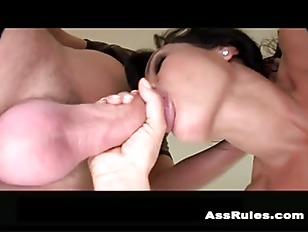 Feamale orgasem on a fuck machine