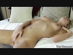 Picture Gorgeous Young Girl 18+ Masturbates