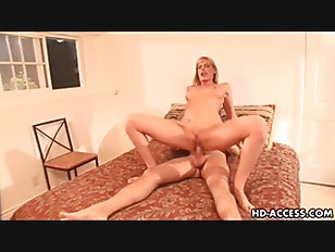 Picture MILF Chick Darryl Hanah Rides That Dong