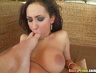 Picture Busty Little 20y-Girls Gets Banged P1
