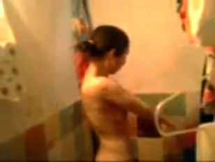 Picture Homemade Amateur Asian Chick Washes Up