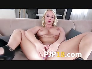 Picture Busty Blonde With Luxury Hole