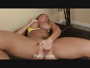 Picture Nasty Babe Fisting Herself