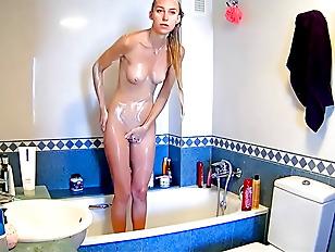 Hidden cam Sexy Teen in the shower