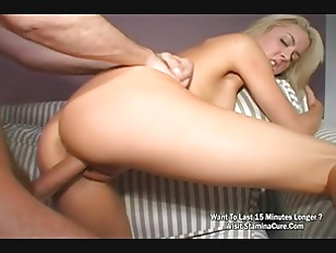 Sexy blonde amateur gives up her pussy