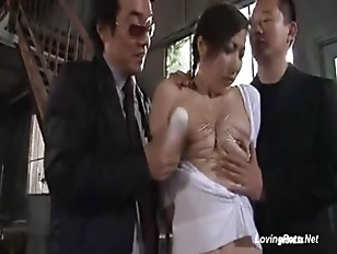 Picture Housewife Play By 2 Stranger