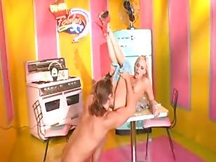 Picture Blonde Babe Brea Bennett