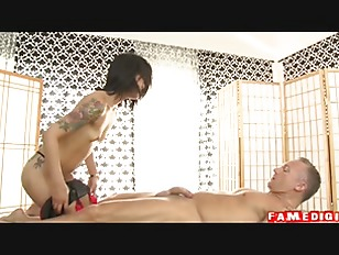 Picture Asian Strip Mall Massage P02 Sc04 P1