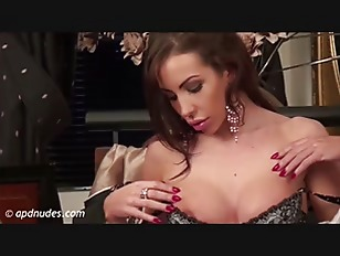 Picture Nina Leigh In Blow My Mind By