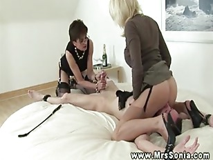 Picture Mature Euro Babe In Hot Threeway And Cant Ge...