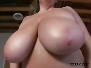 Picture Busty Plumper Using Her Fingers And Toys