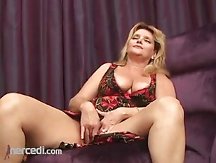 Picture Mature Cougar Takes A Gig Cock In Her Ass