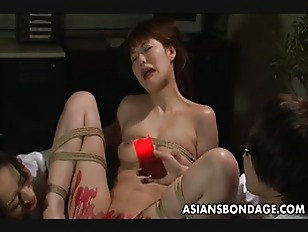 Picture Asian Babe Get Her Privates Covered In Wax