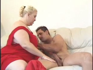 Picture Huge BBW Smothers Guy Shes Fucking