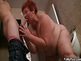 Picture Huge Lady Takes It From Behind In The Public...