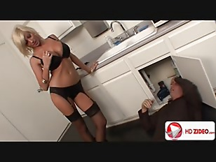 Closeup woman pissing porn tube