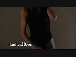 Picture Woman Love Masturbating With Strap Om