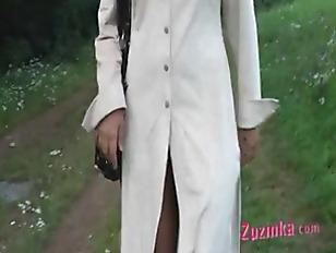 Picture Zuzinka Open Legs Outdoor