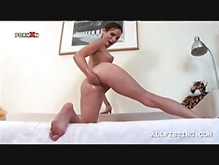 Picture Naked Hottie Fist Fucking Her Tight Ass Hole...