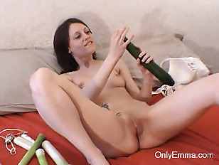 Picture Emma Masturbates With Her Fiber