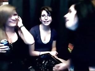 Webcam Girls Vomit Puke Puking Vomiti...