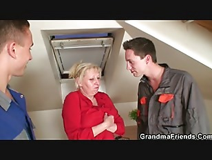 Picture Two Repairmen Fuck Busty Grandma From Both E...