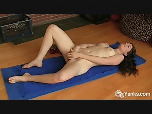 Picture Small Jugged Mahonia Fingering Her Hairy Qui