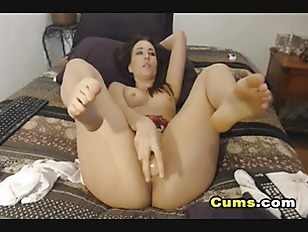 Picture Naughty Brunette Babe Toys Pussy Until Dripp...
