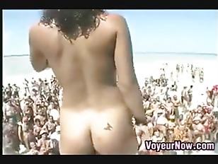 Picture 20y-Girls At A Spring Break Bikini Contest
