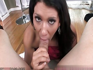 Picture Brunette Cutie Gives Great Hummer