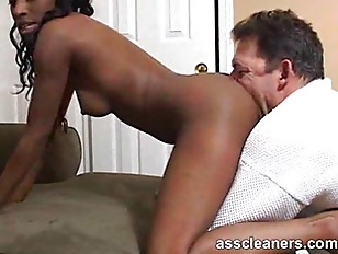 Picture Horny Ebony Mistress Got Her Ass Hole Cleane...