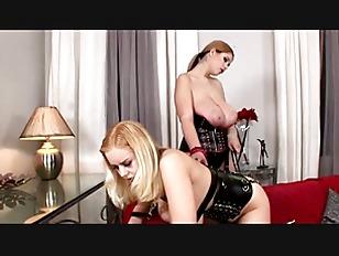 fluent BDSM action with fetish babes ...