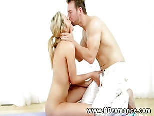 Picture Newlywed Blond Gettings Pussysucked