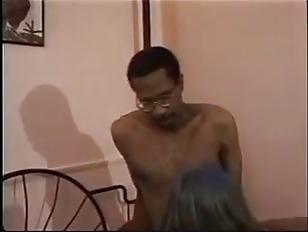 Midget fucks 20 yearold pawg stripper