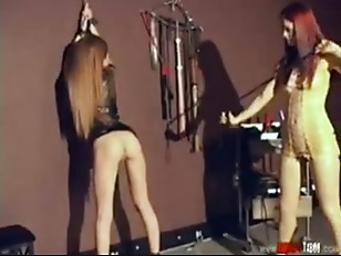 Lesbian play very hard