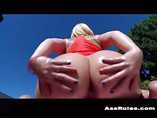 Alexis Texas brings her 44 inc