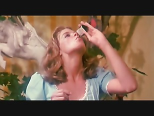 Alice in Wonderland - An X-Rated Musical Fantasy Vostfr (1976)