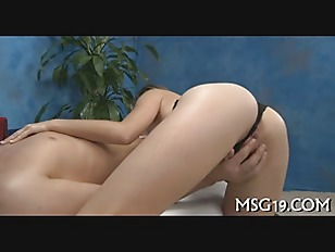 Picture Peachy Blondie Gets Orgasm