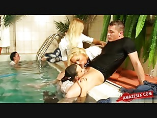 Picture Wet Chicks Playing In Swimming Pool