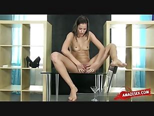 Amateur xxx grinding on dick