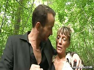 Picture Shanaelle A Mature Anal Fucked In The Woods